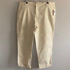NWT Gap Rolled Crop Khakis